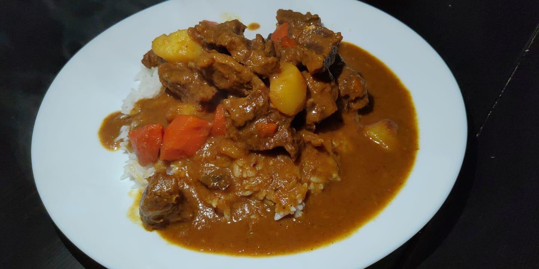 今天吃咖喱牛腩饭🤤