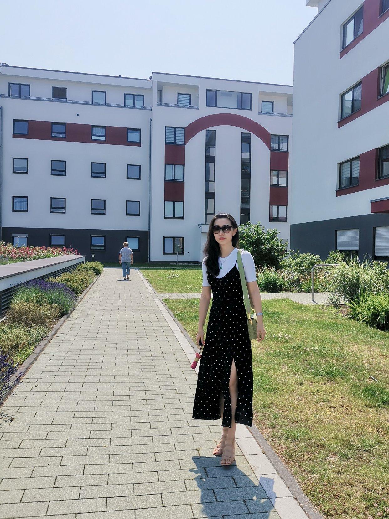H&M吊带开叉裙两种穿法💃