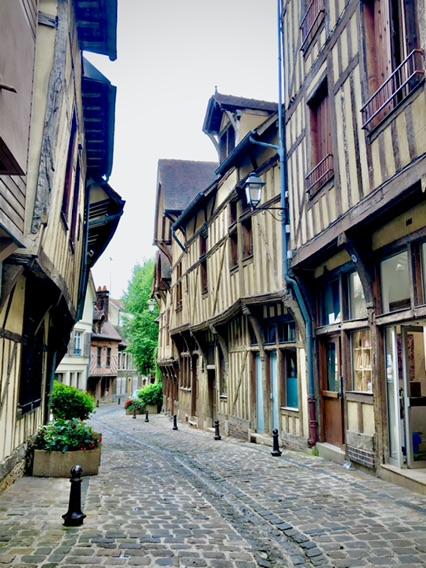 小城Troyes周末游