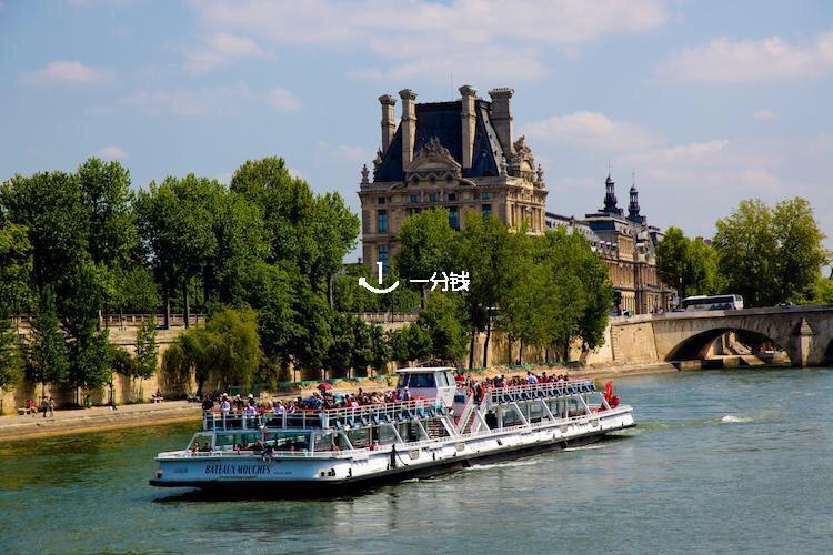 来巴黎一年多 还没在塞纳河坐过船🐡