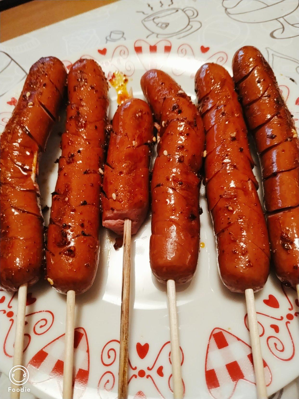 解锁了路边摊的烤火腿肠,国内火腿肠的替代品终于出现了