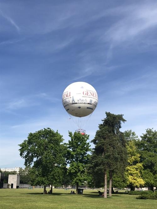我在巴黎坐上热气球了!🎈