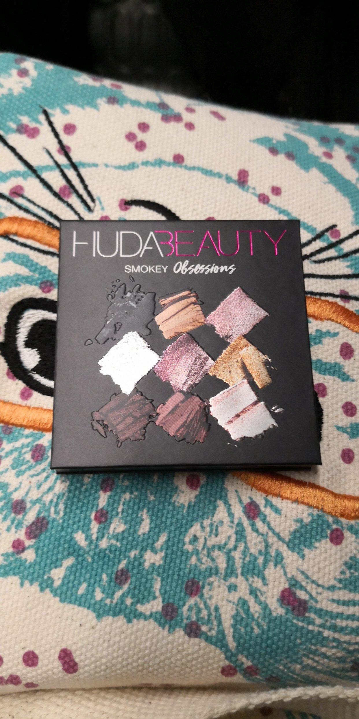 huda beauty 9色盘smokey
