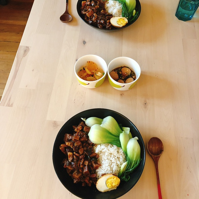 今日晚餐 台湾卤肉饭 做了韩式小菜