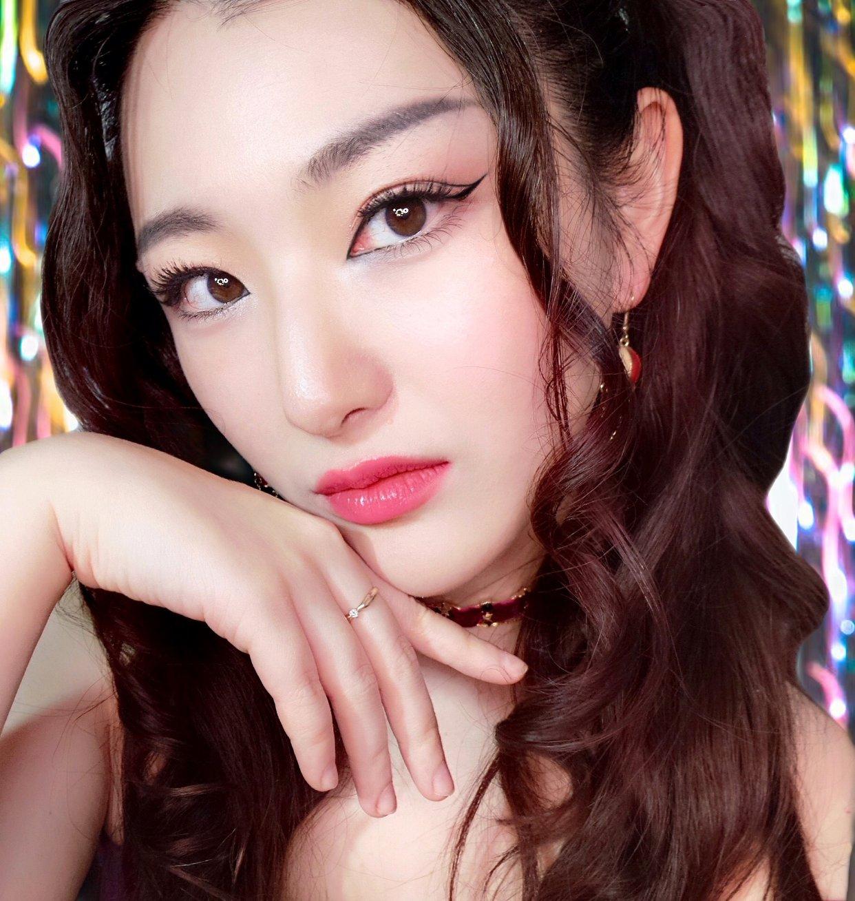 化妆: 甜美轻欧美