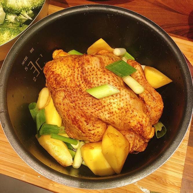 超级简单的电饭煲焗鸡🍗菜谱