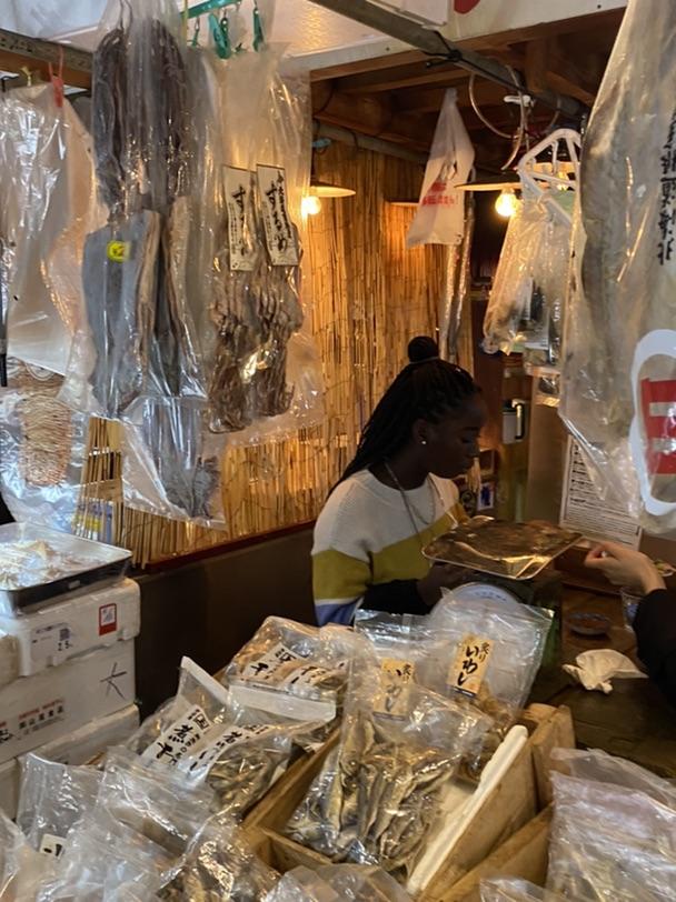 打卡巴黎超火的海鲜市场日式拉面馆