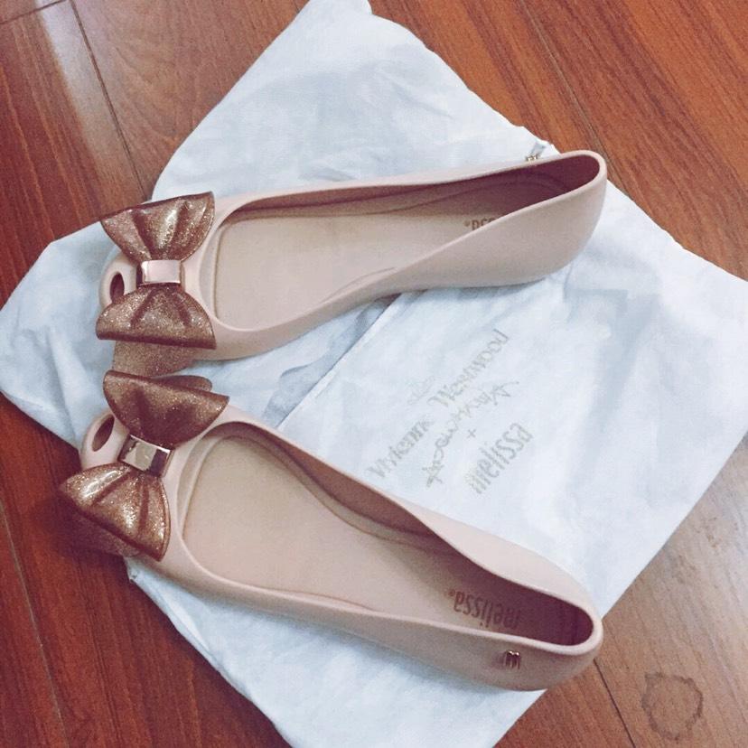 女人永远少一双鞋🙈