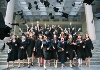 回想起毕业那一年 满眼都是大家青春的模样