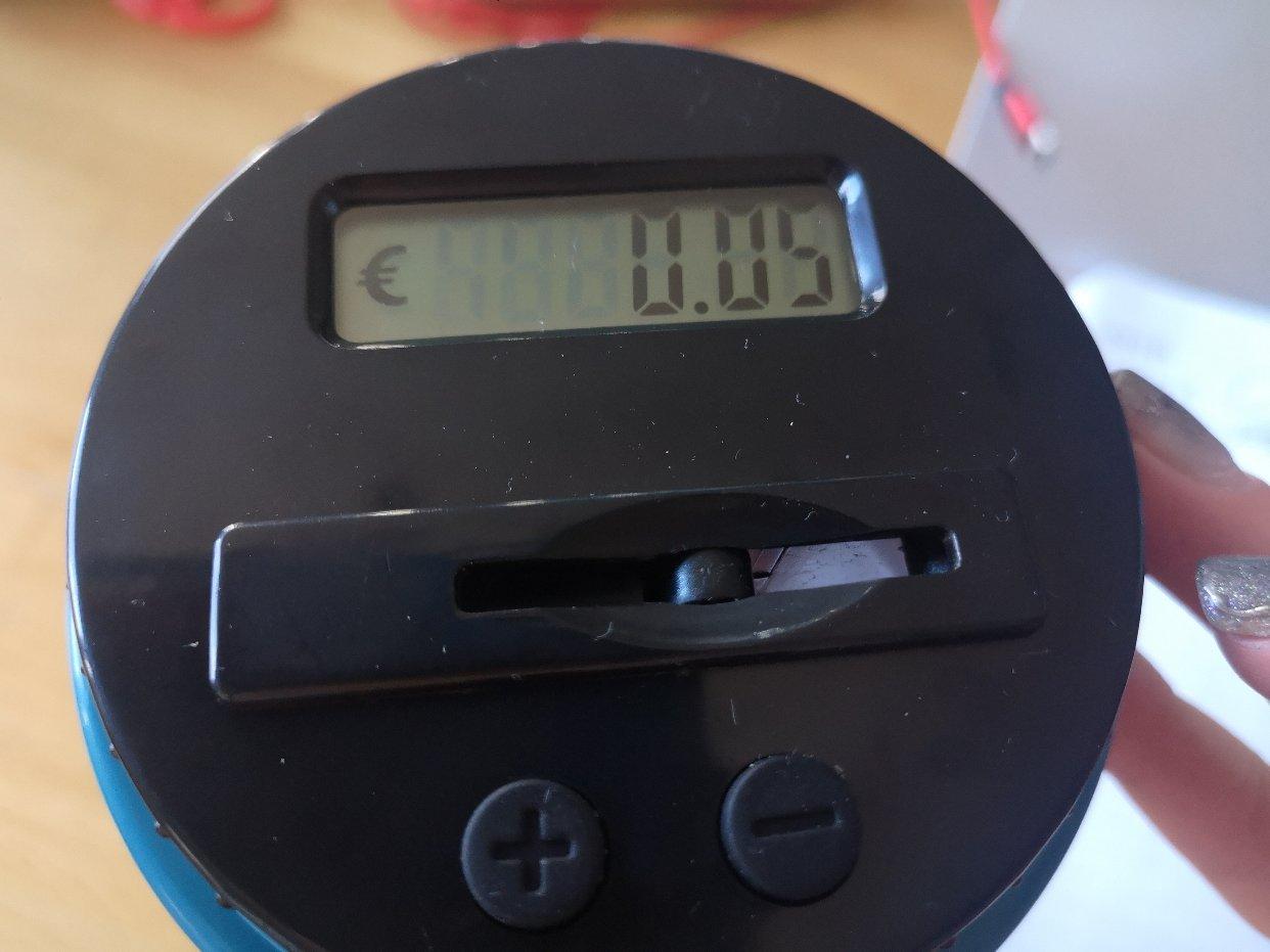 集美们,你们看看这个零钱罐值不值10欧