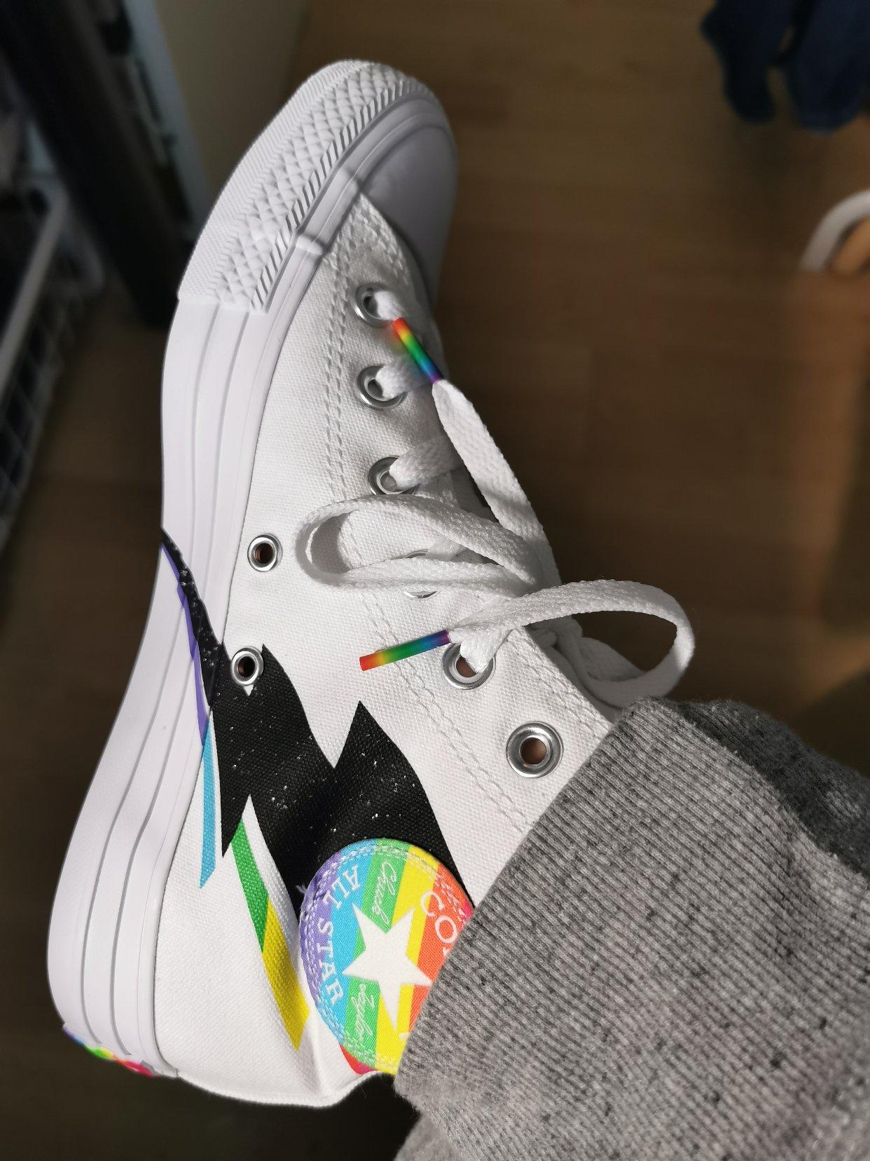 好好看啊!Converse 🌈彩虹鞋