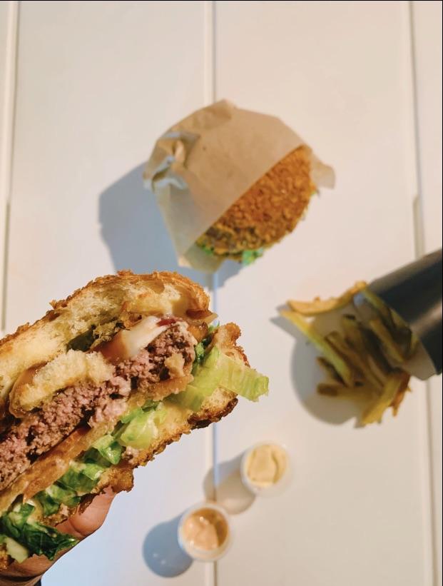 巴黎美食 11区 会咔嚓的汉堡