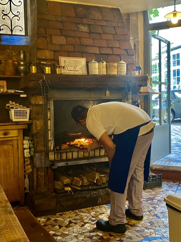 巴黎火烤羊排,真得可以尝尝!