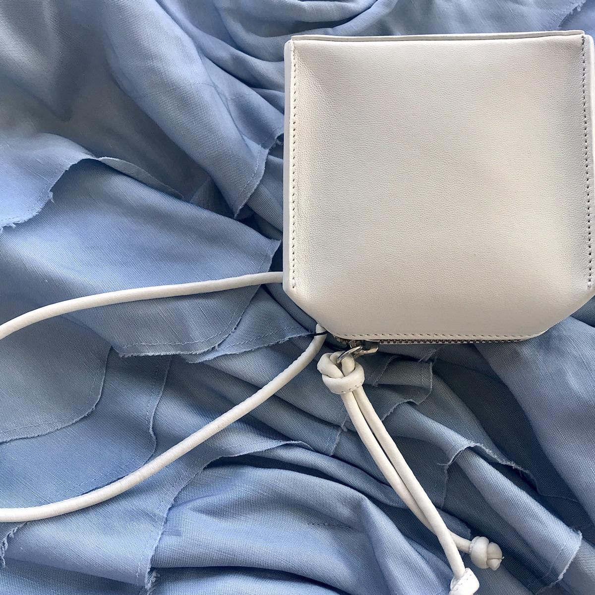 今日购物分享 Zara宝藏极简真皮小方包!