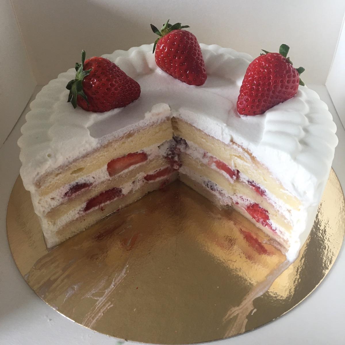 又到了吃草莓蛋糕的季节 🍓🍰