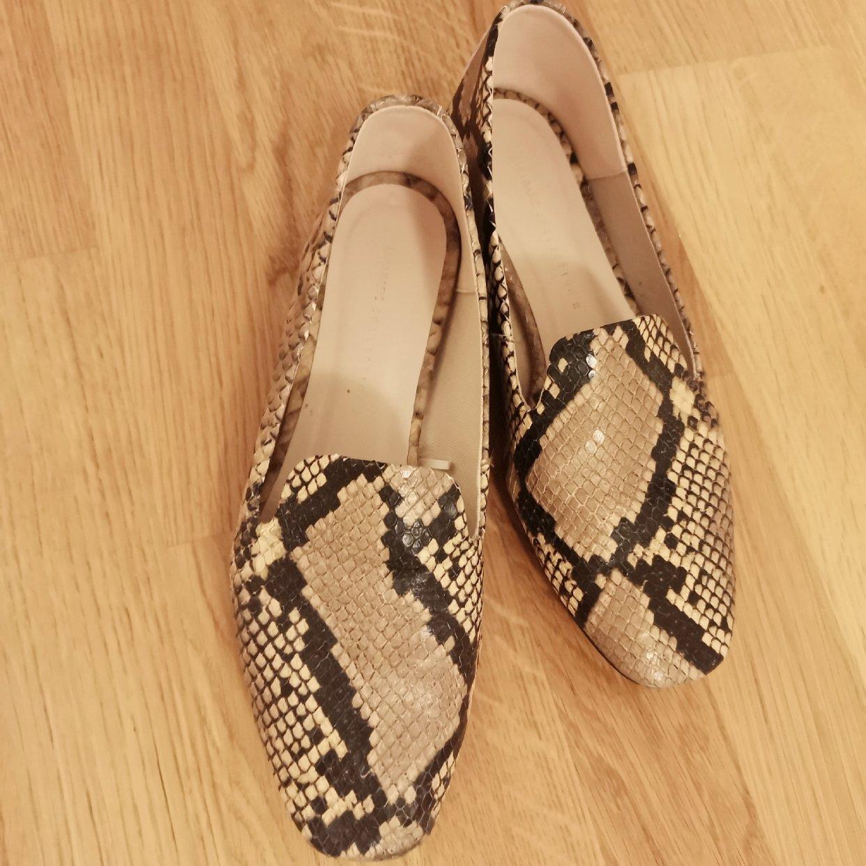 千脚蜈蚣女孩的鞋柜—No.2 平底鞋