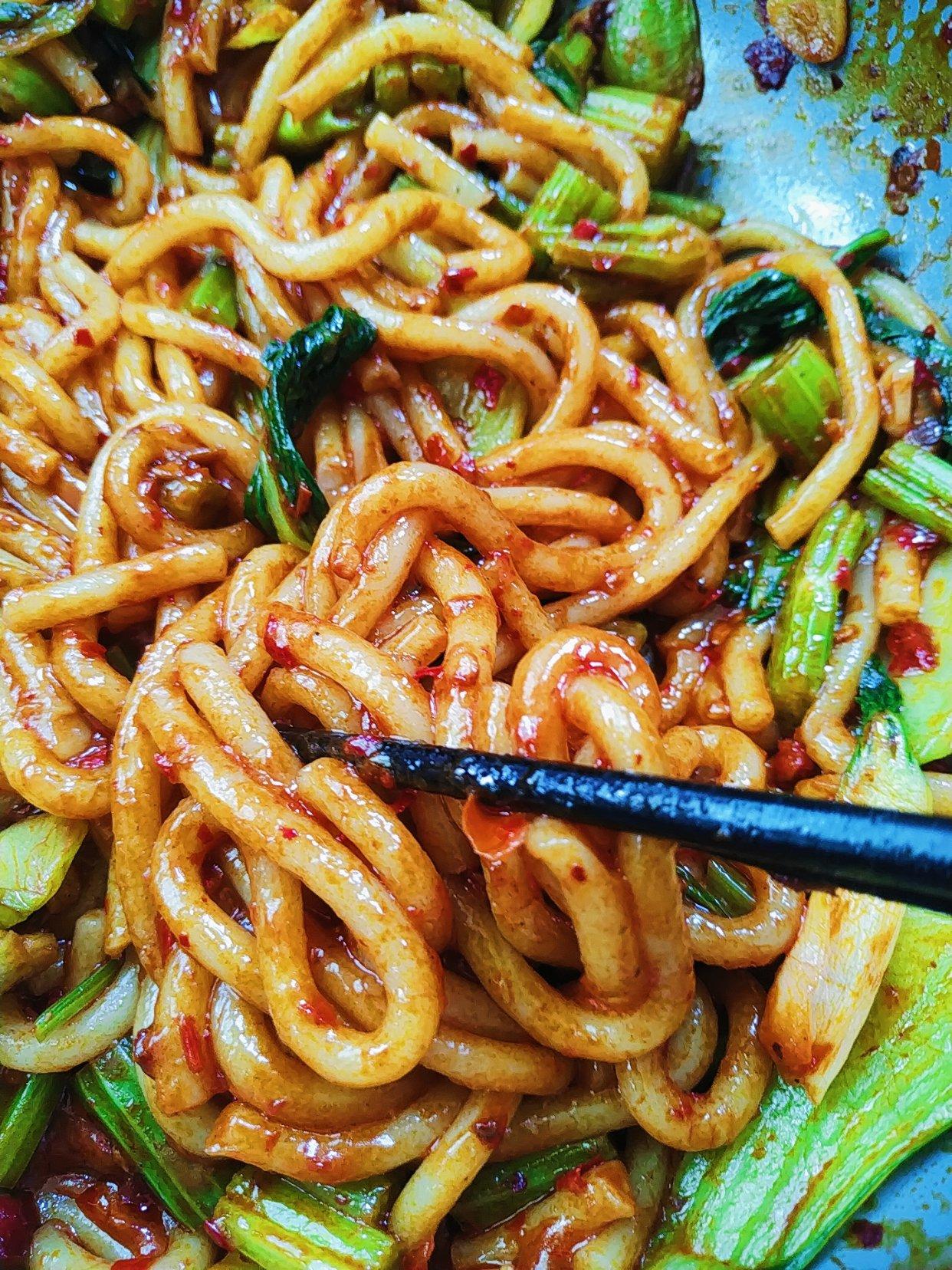 炒(cao)米粉本地做法分享,好辣口的美食家们可以试试
