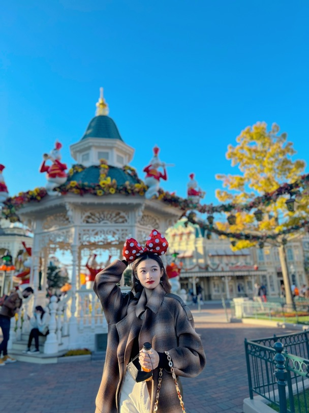 迪士尼的万圣节装饰好出片呀,挑哪张发ins呢好纠结!!