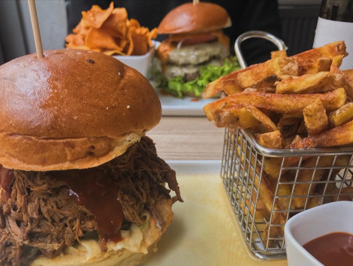 美食分享| 三家榜单人气汉堡店