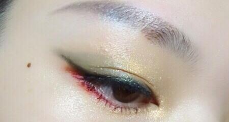圣诞眼妆—铃儿响叮当的红绿撞色